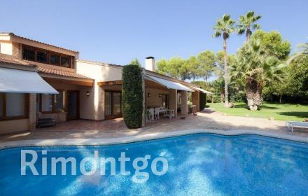 Villa for sale in El Plantio, La Cañada, Valencia